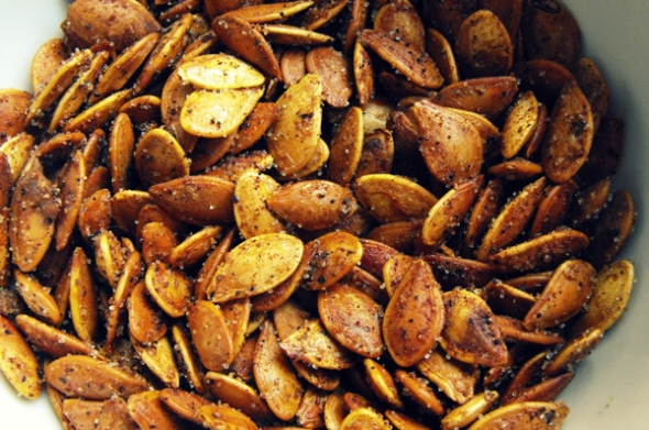 Homemade Curry Pumpkin Seeds