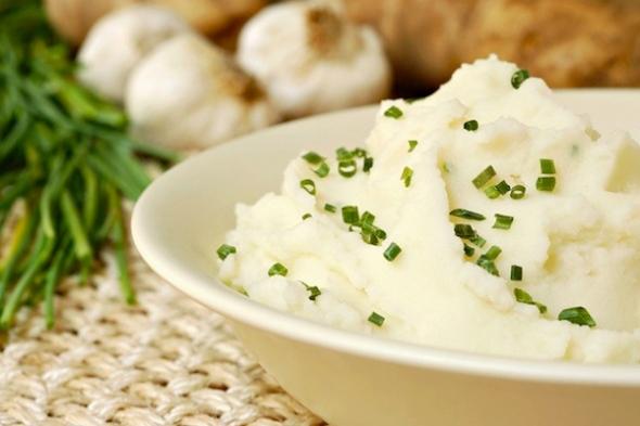 Garlic Sour Cream Mashed Potatoes